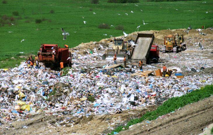 Landfill © Cezary p