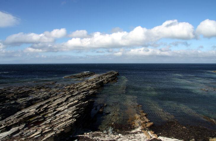 Coast of Orkney near Birsay © Chmee2