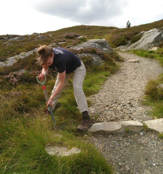 Clearing path drainage channels with John Muir Trust at Schiehallion © Sara Rasmussen