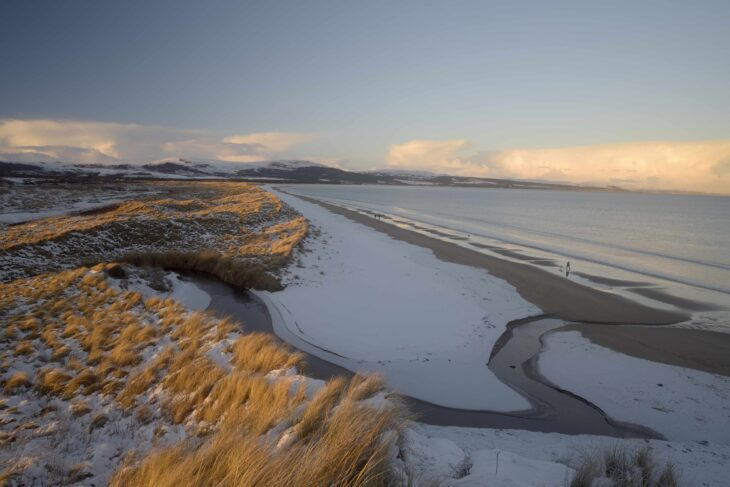 Snow on the beach at Coul Links © Andrew Weston