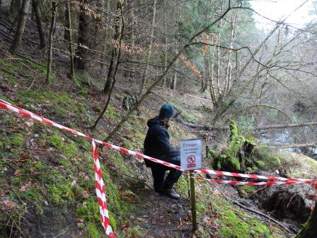 Landslip at Ballinluig Tummel Island 2014- path closed!